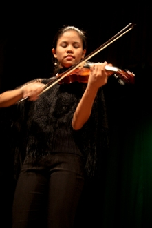 Dabertte Jemimah Sanchez (photo by Angel Fernandez)
