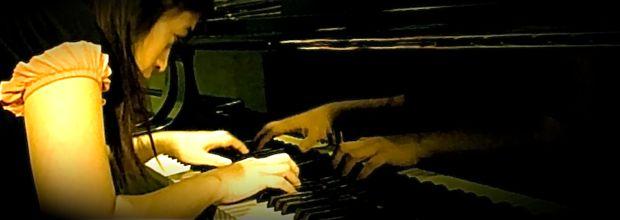 Pianist Karen Francisco